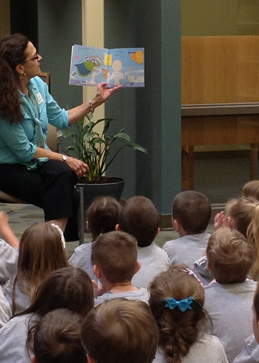 Judy Campanella reads to children