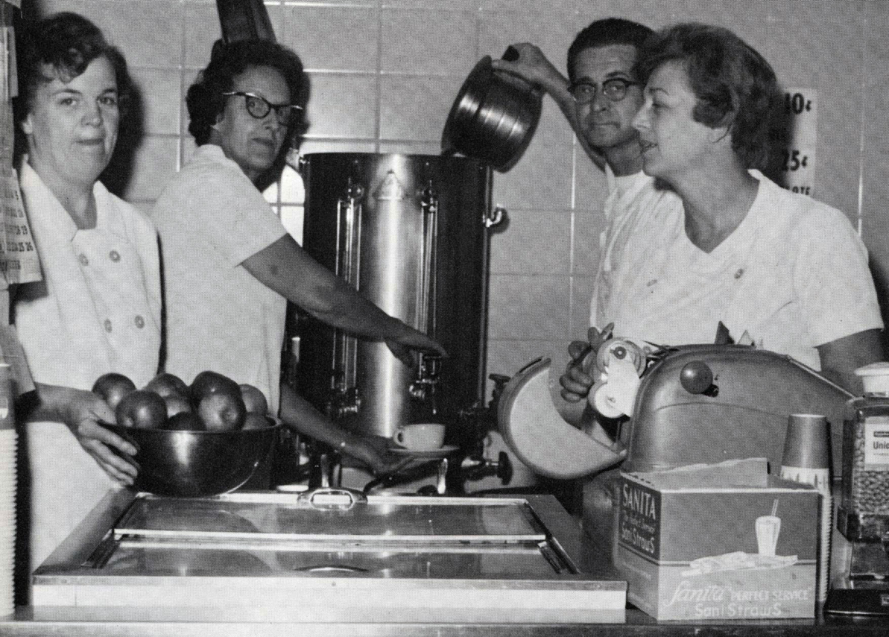 cafeteria-workers-1969