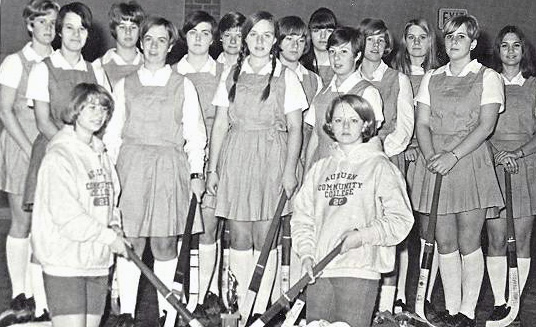 womens-field-hockey-1969