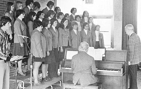 college-choir-1976