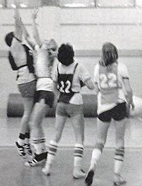womens-basketball-action-1976-2