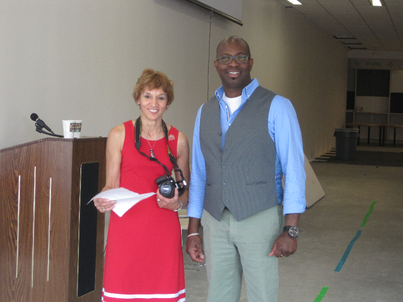 fulton-campus-orientation-alumni-director-louise-wilson-and-norman-lee