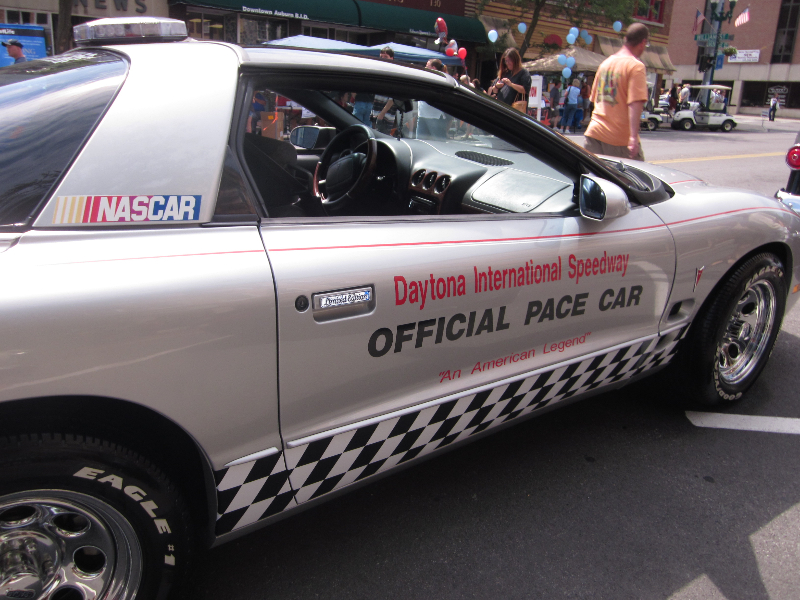 vintage-cars-daytona-pace-car