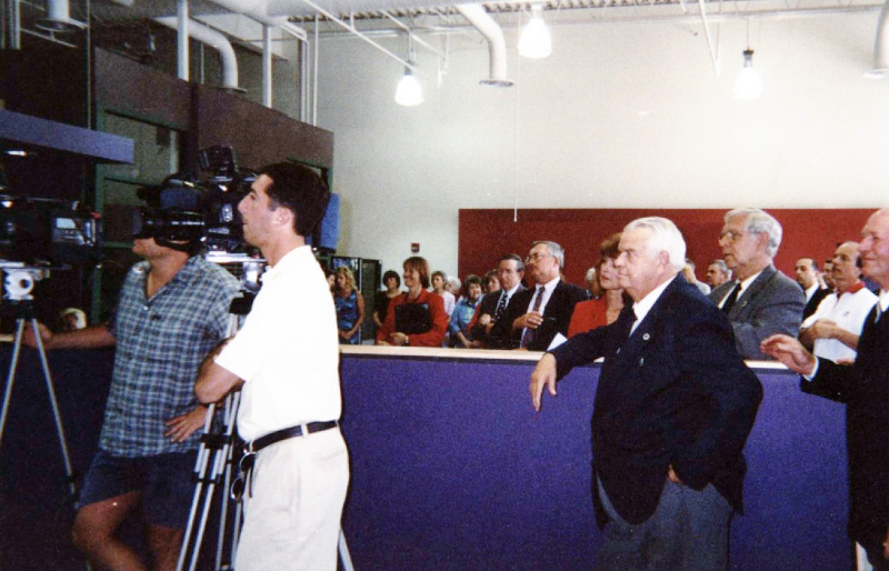 2001-broadway-ribbon-cutting-ceremony-aug-2