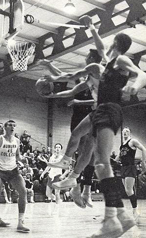 1960-basketball-action