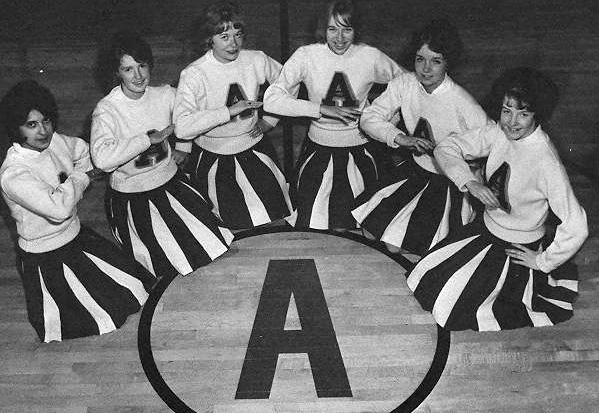 1963-cheerleaders