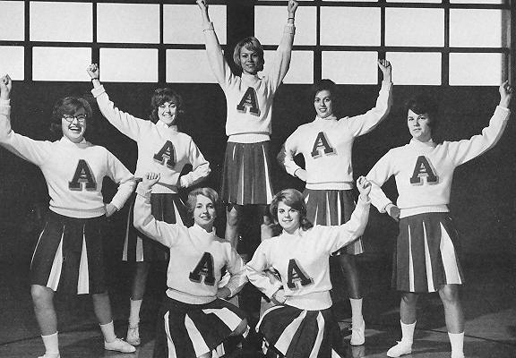1965-cheerleaders
