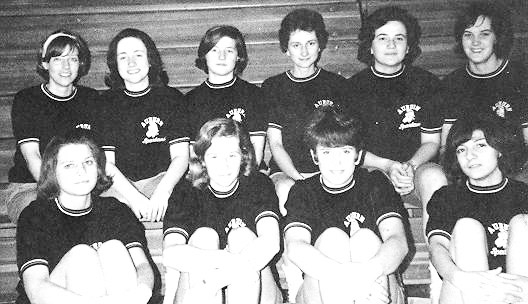 girls-basketball-1966